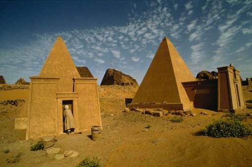 السياحه السودان pyramids-in-sudan.jp